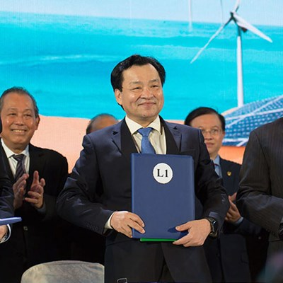 Enterprize Energy Group officially signed investment commitment with Binh Thuan province